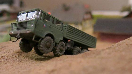 Tatra 813 stepnicka 041-001